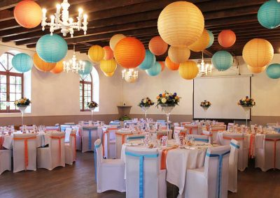 organisation-mariage-salle-decoration-plafond-lanternes-poppins-evenements