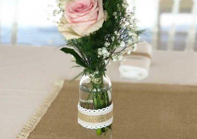 organisation-mariage-vase-fleurs-poppins-evenements